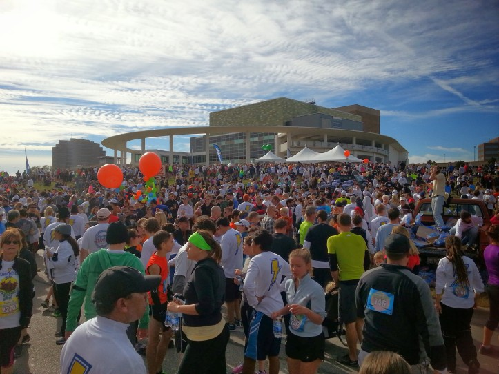 Participants gather before the start of the 2013 Austin Turkey Trot.