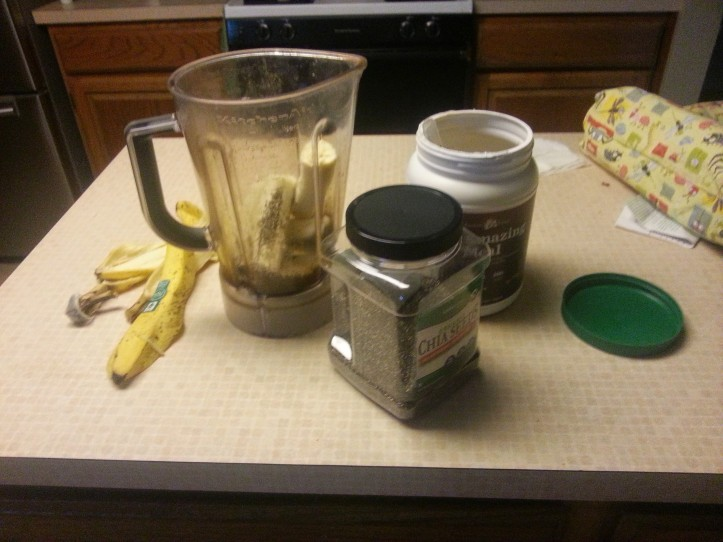 Smoothies made of Amazing Meal, Chia seeds, bananas, flax milk, ice, and water... the perfect fuel to start our days.
