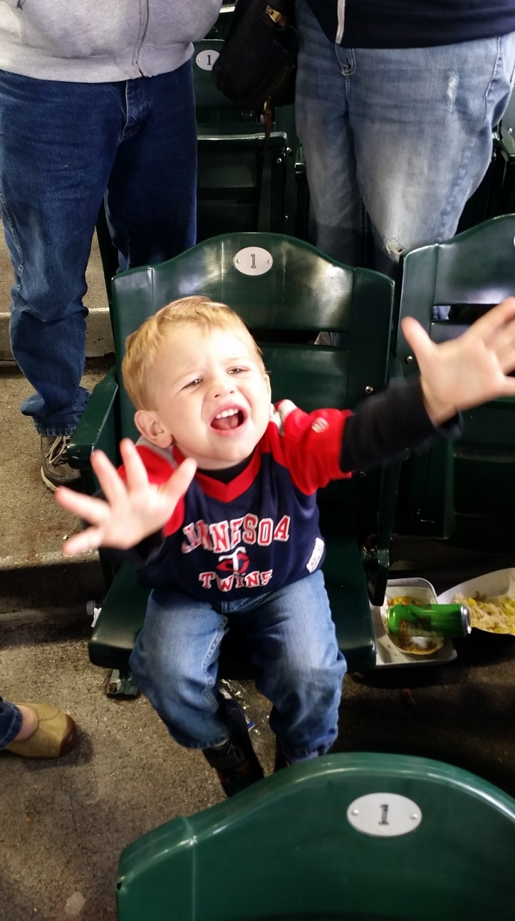 Johnny freaks out when Gutierrez cranks a 2-run homer off Jepsen in the 9th to pull within a run.